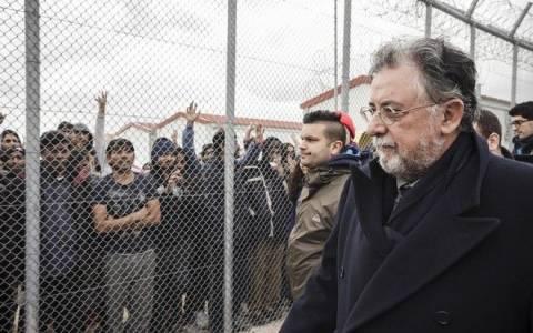 Ποιοι μετανάστες θα αφεθούν ελεύθεροι από τα κέντρα κράτησης
