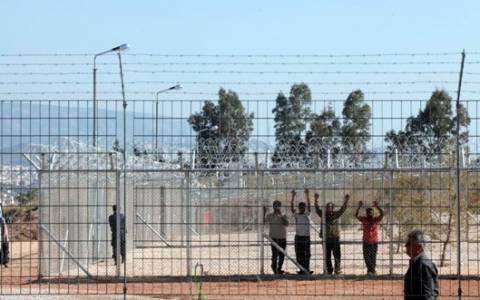 Ένταση στο κέντρο κράτησης στην Αμυγδαλέζα (photos)