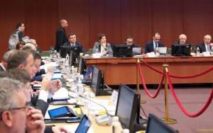 Στην παράταση της δανειακής σύμβασης εστιάζουν οι υπουργοί Οικονομικών της ΕΕ