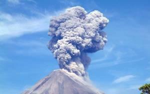 Έκρηξη ηφαιστείου on camera  (video)