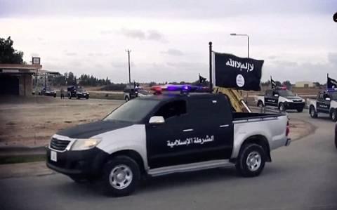 Οι τζιχαντιστές του Ισλαμικού Κράτους κάνουν παρέλαση στη Βεγγάζη (video)