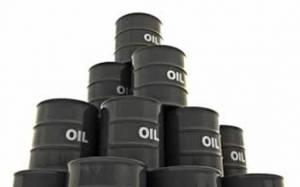 Πτώση στο πετρέλαιο, διατηρείται ωστόσο άνω των 62 δολ.