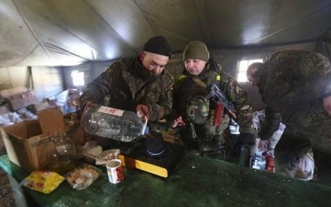 Ουκρανία: Απομακρύνεται ο στρατός από το Ντεμπάλτσεβε