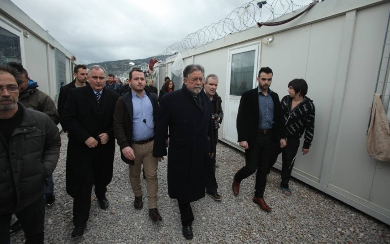 Πανούσης: Οι μετανάστες των Κέντρων Κράτησης θα φύγουν σταδιακά