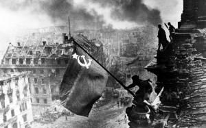 Πολεμικές αποζημιώσεις: Ρωσία και Ελλάδα πιέζουν τη Γερμανία!