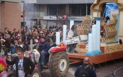 Ξάνθη: «Εμπλοκή» με τα άρματα του καρναβαλιού