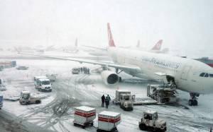 Κωνσταντινούπολη: Σοβαρά προβλήματα στις πτήσεις λόγω του χιονιά
