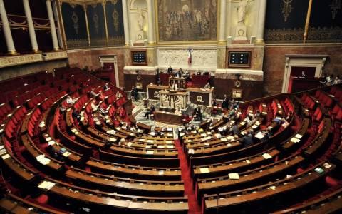 Γαλλία: Απορρίφθηκε από το κοινοβούλιο η πρόταση μομφής κατά της κυβέρνησης