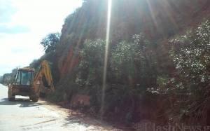 Διακοπή κυκλοφορίας στην Ε.Ο Ρεθύμνου -Χανίων λόγω κατολίσθησης (photos)
