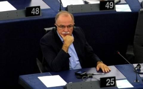Για την έκρηξη του δημοσίου χρέους στην Ευρωζώνη ζητά απαντήσεις ο Παπαδημούλης