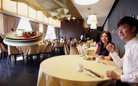 Drones σερβίρουν πελάτες σε εστιατόριο της Σιγκαπούρης! (videos)