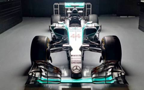 F1: Η Ferrari κάνει την Mercedes να ανησυχεί