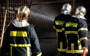 Θεσσαλονίκη: Πυροσβέστες έσωσαν ηλικιωμένη από πυρκαγιά