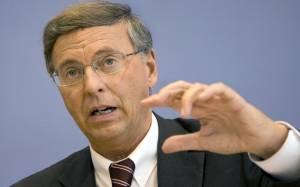 CDU: Αντιπαραγωγική η παραμονή της Ελλάδα στο ευρώ