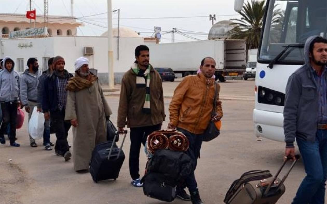 Άρον άρον εγκαταλείπουν τη Λιβύη οι Αιγύπτιοι