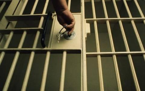 Σωφρονιστικοί:  Πιο κρατούμενοι κι απ' τους... κρατούμενους;