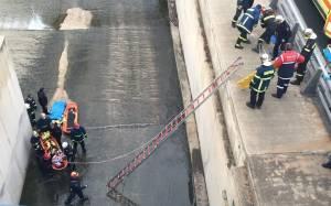 Δύο άτομα έπεσαν στο ποτάμι του Κηφισού