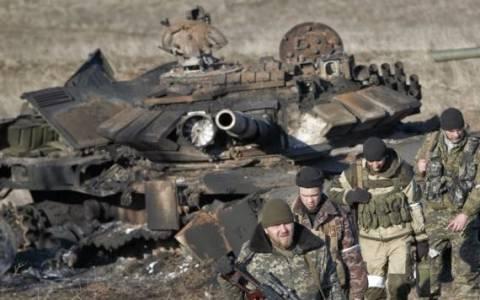 Ουκρανία: Οι αντάρτες αποσύρουν τα βαρέα όπλα – Αμφισβητεί το Κίεβο