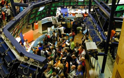 Οριακή πτώση του Nikkei