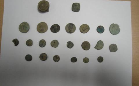 Συνελήφθη Βούλγαρος που είχε στην κατοχή του 21 αρχαία νομίσματα