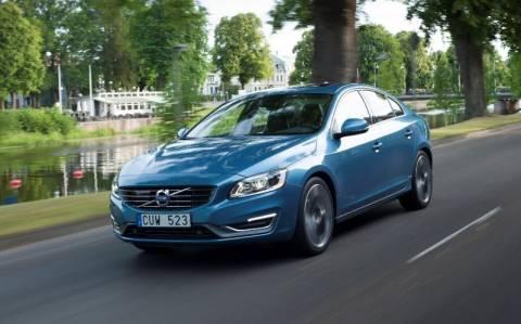 Volvo: Test drive στο εμπορικό κέντρο Golden Hall