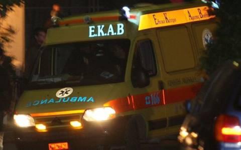 Όχημα έπεσε πάνω σε σταθμευμένη νταλίκα – Νεκρός ο οδηγός