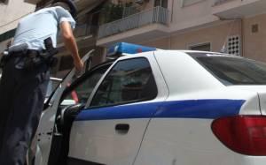 Κλέφτης χτύπησε με κοντάρι ηλικιωμένο που τον έπιασε στα «πράσα»