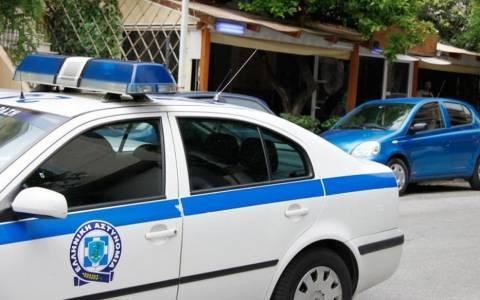 Νεκρός μετανάστης σε αστυνομικό τμήμα