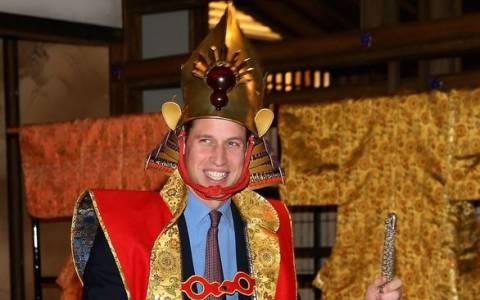 Ο πρίγκιπας Ουίλιαμ με στολή σαμουράι