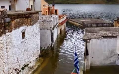 Σφεντύλι: Το χωριό της Κρήτης που βυθίζεται