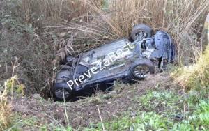 Πρέβεζα: Αυτοκίνητο έπεσε ανάποδα σε αρδευτικό αυλάκι