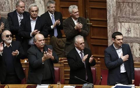 Στη Βουλή η σύμβαση για συζήτηση, αλλά όχι για ψηφοφορία