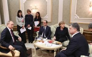 Νέα τηλεφωνική επικοινωνία Ολάντ, Μέρκελ, Πούτιν και Ποροσένκο για την Ουκρανία
