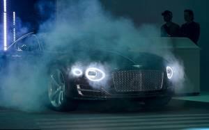 Τι οδηγάει ο 007; Και πάλι Bentley (photos)
