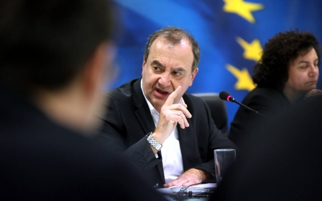Στρατούλης: Δεν θα γίνει καμία μείωση στις συντάξεις