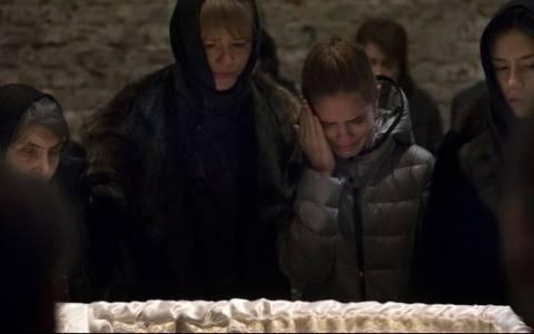 Ρωσία: Χιλιάδες πολίτες και ξένοι αξιωματούχοι στην κηδεία του Νεμτσόφ (video)