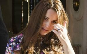 Η Kate Middleton έχει στυλ με φουσκωμένη κοιλίτσα! Τι φόρεσε σε έξοδό της στο Λονδίνο