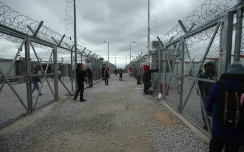 Κυβέρνηση: Η μονταζιέρα της Συγγρού διέσπειρε ότι ανοίγουν τα κέντρα κράτησης