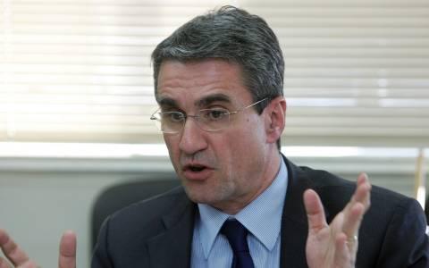 Λοβέρδος: «Ο Βαρουφάκης εκμεταλλεύεται τη θέση του για προσωπικό όφελος»
