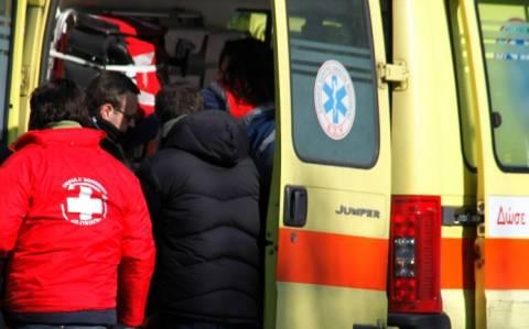 Πρέβεζα: Βρέθηκε τραυματισμένος νεαρός σε αυλάκι δρόμου
