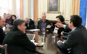 Σύσκεψη του οικονομικού επιτελείου υπό τον Πρωθυπουργό
