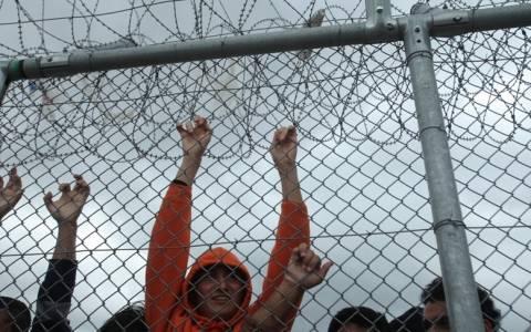 Κυβέρνηση: Ρητορική μίσους από το Σαμαρά για τα κέντρα κράτησης