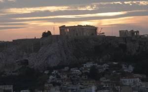 Η «Ντερ Στάνταρντ» υμνεί την Αθήνα