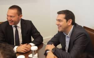 Ένταση στις σχέσεις κυβέρνησης-Στουρνάρα