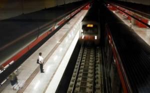 Άνδρας έπεσε στις ράγες του σταθμού ΗΣΑΠ στο Φάληρο