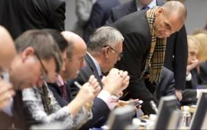 Μάχη για τη ρευστότητα - Αγωνία για το Eurogroup