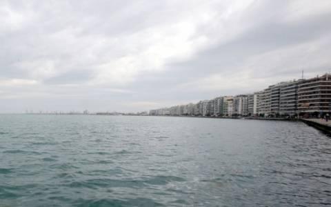 Θεσσαλονίκη: Ανασύρθηκε πτώμα άνδρα από τον Θερμαϊκό