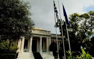 Μαξίμου: Δεν ζητήθηκε συνάντηση με τον Γιούνκερ