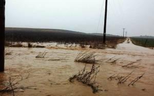 Ξάνθη: Πλημμύρισαν αγροτικοί δρόμοι και καλλιέργειες (video)