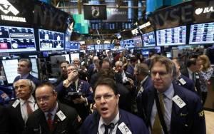 «Βυθίστηκαν» οι δείκτες στη Wall Street